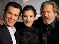 Josh Brolin et Jeff Bridges entourent la belle pornostar Jenna Jameson...