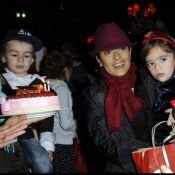 Salma Hayek et Valentina : Pause enchantée avec le Père Noël et Gad Elmaleh !