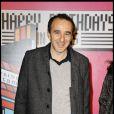 Elie Semoun a participé à la rénovation d'un espace pour les enfants à l'hôpital Robert-Debré (émission D&Co diffusée le 29 novembre 2010 sur M6)
