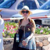 Cyndi Lauper : Sa famille, un panama, du soleil et... du fun !
