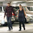 Christina Applegate (qui doit accoucher dans quelques jours) et son compagnon Martyn Lenoble, à l'hôpital de Los Angeles, le 2 janvier 2011.
