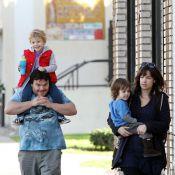 Jack Black : Balade avec femme et enfants pour le Gulliver... papa poule !