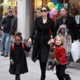 La bombe Angelina Jolie bientôt éclipsée par ses filles Shiloh et Zahara !