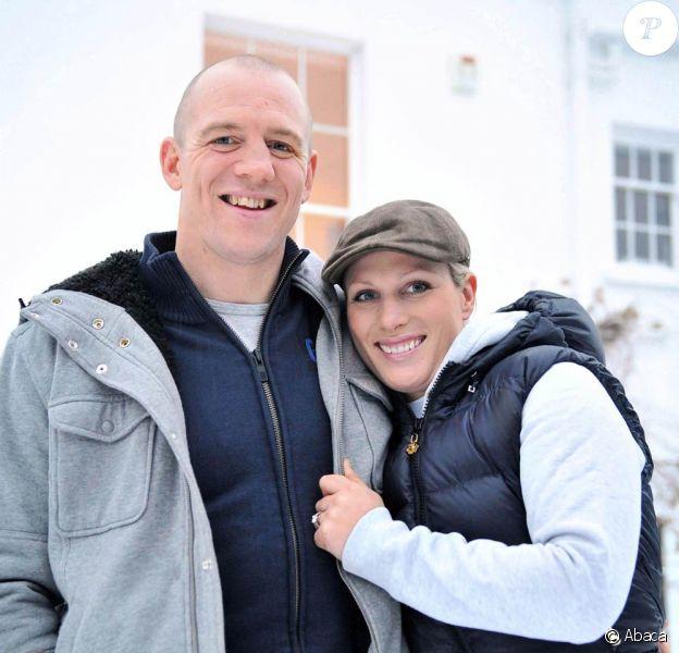 Zara Phillips, petite-fille de la reine Elizabeth II, et Mike Tindall ont annoncé leurs fiançailles en décembre 2010, peu après celles du prince William et de Kate Middleton. Ils pourraient se marier le 30 juillet 2011 en Ecosse, à Canongate (Edimbou