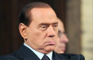 Berlusconi : Accusé de prostitution avec mineure, Silvio dans la tourmente...