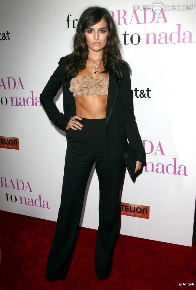La ravissante Camilla Belle à l'occasion de l'avant-première de  From Prada to nada , qui s'est tenue au Live Regal Cinemas de Los Angeles, le 18 janvier 2011.