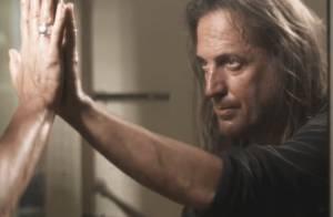 Francis Lalanne : Découvrez son clip de zouk, La Vi San Vou ! Culte !