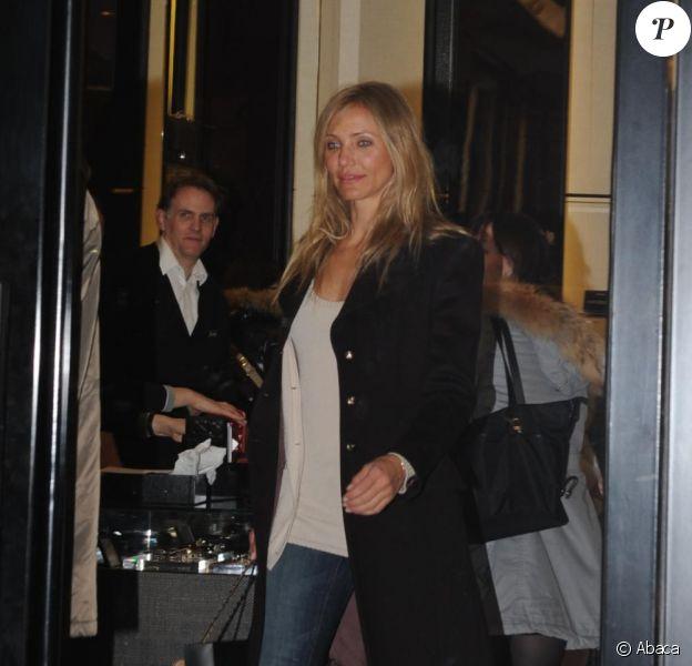 Cameron Diaz fait du shopping à Paris, le 25 janvier 2011.