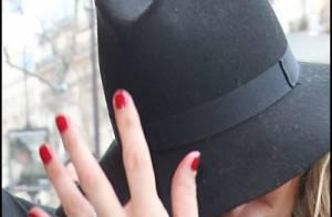 Kate Moss : Fiancée et déchaînée, elle offre un festival de looks à Paris !