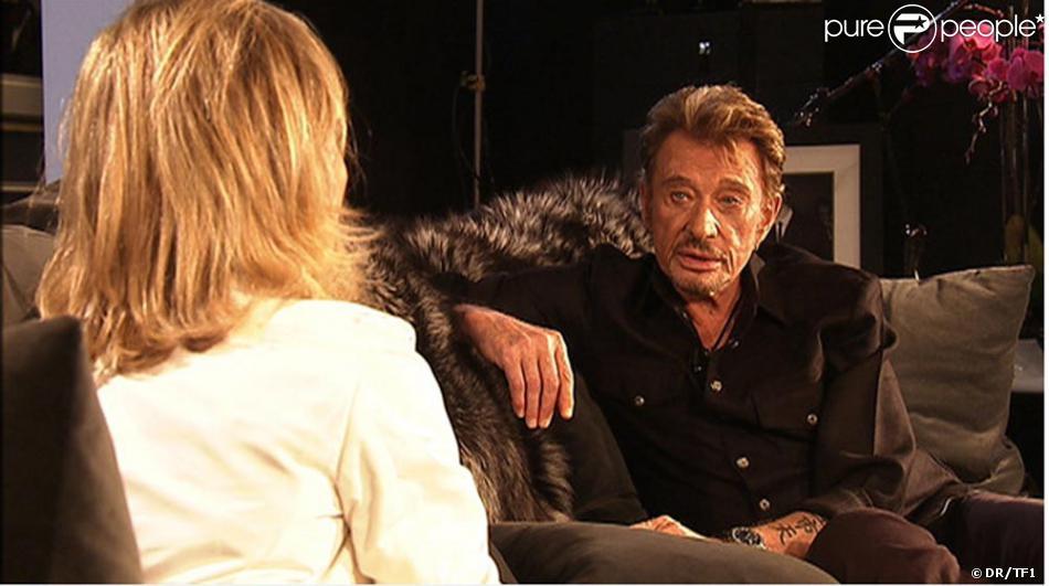 johnny hallyday en interview avec claire chazal dans sa maison de los angeles purepeople. Black Bedroom Furniture Sets. Home Design Ideas