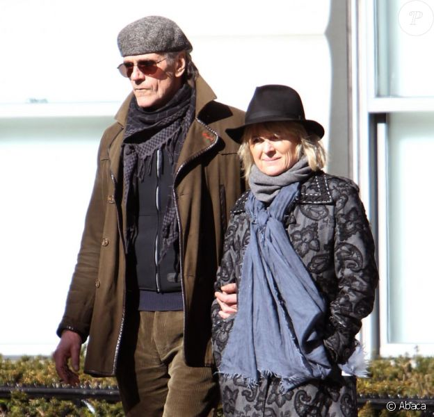 Jeremy Irons et sa femme Sinead dans leks rues de NYC ( 20 février 2011)