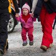 La famille royale norvégienne honore de sa présence les championnats de   ski du monde nordique, qui se déroulent jusqu'au 6 mars 2011 dans la région   d'Oslo. Photo : la petite princesse Emma Tallulah, fille de Martha-Louise.