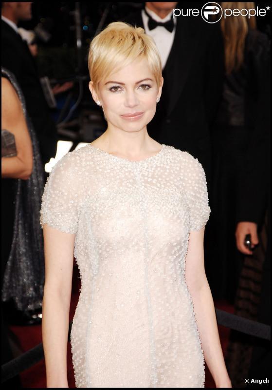 Michelle Williams lors de la cérémonie des Oscars moulée dans une somptueuse robe Chanel Haute Couture