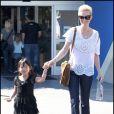 Laeticia Hallyday et sa fille Jade à Los Angeles mi-février 2011