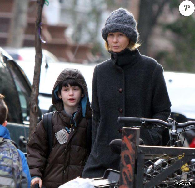 Cynthia Nixon et son fils dans les rues de NYC ( 14 mars 2011)