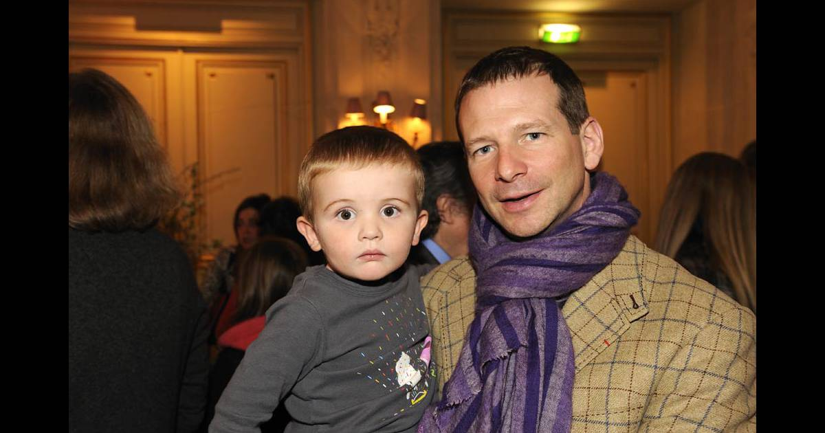 lorenz b umer et son bout d 39 chou au carnaval des enfants du meurice paris le 13 mars 2011. Black Bedroom Furniture Sets. Home Design Ideas