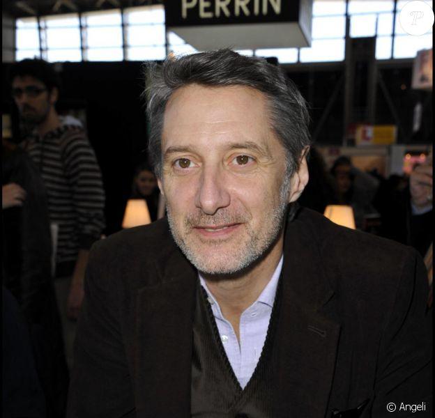 Antoine de Caunes au Salon du Livre, en mars 2011.