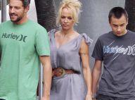 Pamela Anderson présente son nouveau boyfriend à son géant de fils !