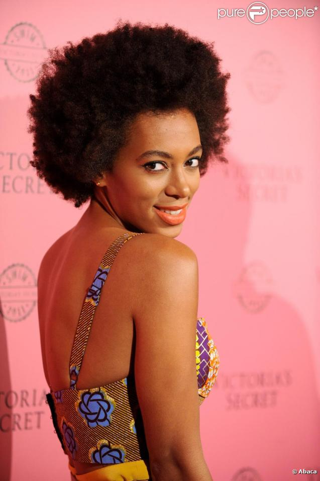 http://static1.purepeople.com/articles/9/76/99/9/@/588512-solange-knowles-lors-de-la-soiree-de-637x0-2.jpg