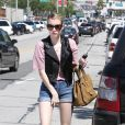 La ravissante Emma Roberts sort déjeuner chez Cecconi, à West Hollywood, à Los Angeles, le 1er avril 2011.