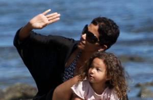 Halle Berry : maman attentionnée... et femme terriblement sexy !