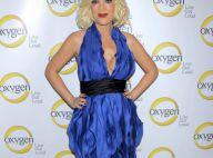 Tori Spelling trop décolletée dans une robe hideuse, Paris Hilton tip top !