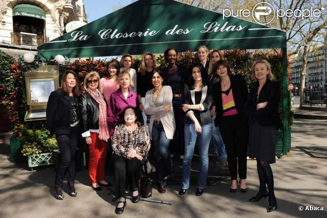 Marie Drucker, Sylvie Testud, Rama Yade et le reste du jury du prix Lilas du Roman 2011 ont récompensé le roman autobiographique de Sylvie Ohayon, Papa was not a Rolling Stone, le 6 décembre 2011 à Paris.