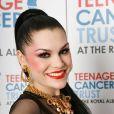 Jessie J, avec son répertoire éclectique et son style choc, sexy-sexo voire boyish, défraie les charts britanniques. A Londres le 27 mars 2011, au Royal Albert Hall, pour le Teenage Trust Cancer.
