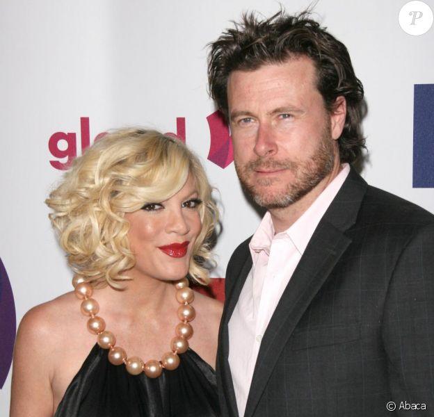 Tori Spelling et son mari Dean McDermott lors du 22e gala Glaad Media Award au Westin Bonaventure  à Los Angeles le 10 avril 2011