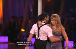 Dancing With The Stars : Kirstie Alley perd sa chaussure durant son exhibition !