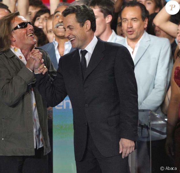 Gilbert Montagné est allé jusqu'à prendre des responasabilités au sein de l'UMP jusqu'à se rendre compte qu'il faisait aussi bien sans. (Ici à Paris, le 29 avril 2007)