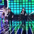 X Factor, premier prime live le 19 avril 2011 : Avec The Rythm of the night, les Twem ont proposé un numéro plein d'énergie, mais très daté...