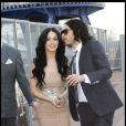 Russell Brand et sa femme Katy Perry lors de l'avant-première à Londres du film Arthur, le 19 avril 2011
