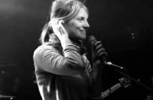 Mélanie Laurent, touchante pour son premier concert, vous invite en coulisses !