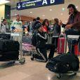 Les Anges se préparent à s'envoler vers Miami pour la deuxième saison des Anges de la télé-réalité à Orly le 18 avril 2011