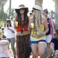 Pour brouiller les pistes, Vanessa Hudgens a également invité quelques amies au festival de Coachella, à Indio (Californie), samedi 16 avril.