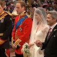 Kate Middleton, aux côtés de son futur époux le prince William, en l'abbaye de Westminster, à Londres, le 29 avril 2011.