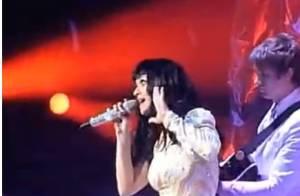 Katy Perry : Avec 15 000 fans, elle reprend la pire chanson du monde !