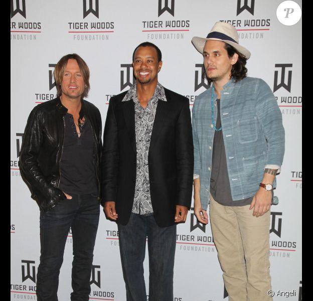 Keith Urban, Tiger Woods et John Mayer lors de la soirée Tiger Jam le 30 avril 2011 à Las Vegas