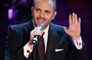 Le chanteur et icône espagnol Miguel Bosé est papa !