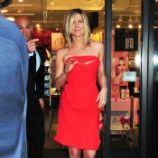 Jennifer Aniston rayonne pendant que Courteney Cox dîne avec Brad Pitt !