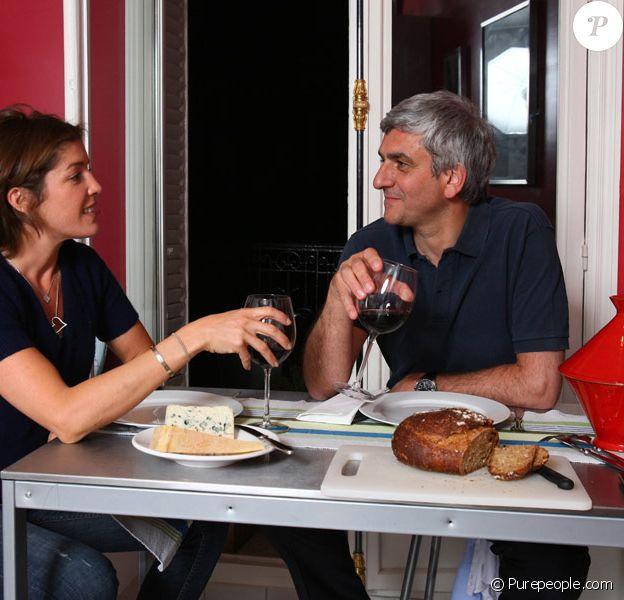 Hervé Morin et sa compagne Elodie nous reçoivent chez eux, mai 2011. Toute reproduction interdite.