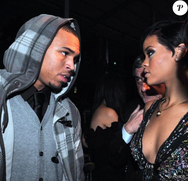 Rihanna et Chris Brown lorsqu'ils étaient encore en couple en mars 2008 à Paris