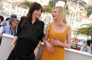 Cannes 2011: Charlotte Gainsbourg enceinte et radieuse au côté de Kirsten Dunst!