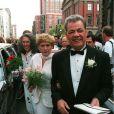 Les parents de Nancy Kerrigan : Brenda et Daniel, en 1995, lors du mariage de leur fille.