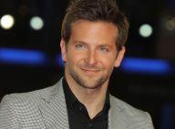Le séduisant Bradley Cooper aux côtés de Jamie Chung et sa robe très fendue !