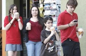 Michael Jackson : Ses enfants s'amusent avec les stars Willow et Jaden Smith !