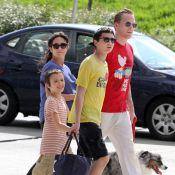 Jennifer Connelly, très enceinte, est bien entourée par ses trois chéris !