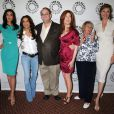 L'équipe de Desperate Housewives en 2009 : Eva Longoria,Teri Hatcher, Marc Cherry, Dana Delany, Kathryn Joosten et Brenda Strong