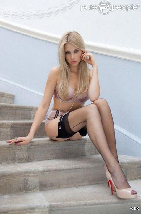 La belle blonde Xenia Tchoumitcheva pour la marque de lingerie Myriam Girard
